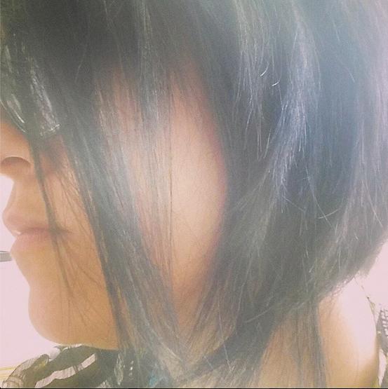 Mezzi per una mousse di capelli ricurva