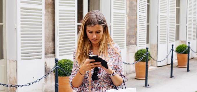 Il cellulare a scuola: meglio un divieto o bisogna educare?