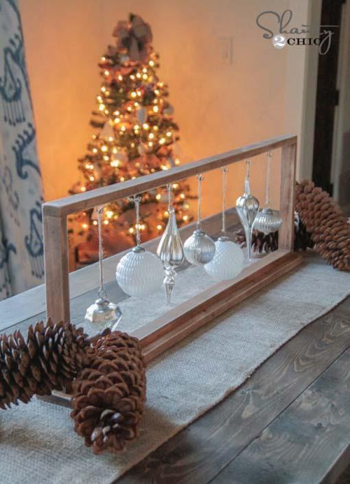 Idee per decorare la tavola di natale con il centrotavola for Decorare la camera per natale