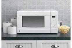 Come pulire il forno a microonde con acqua e aceto
