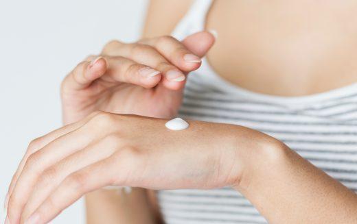 Come prendersi cura della pelle con le Creme Emozionali Flower's Week