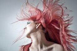 Colorare i capelli in casa in modo naturale